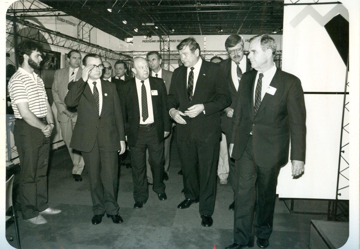 ponzan1987-primeminister0001.jpg