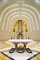 002_ madonna_della_strada_chapel_altar_2007.jpg