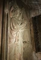 16_Basel-Muenster-Tomb-Quee.jpg