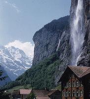 74_Lauterbrunnen-and-staubbach-fall.jpg