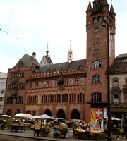 6_Basel-City-Hall-and-Marke.jpg