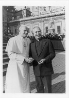 001_raymond_baumhart_and_pope_john_paul_II.jpg