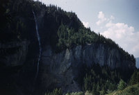 111_Reichenbach-valley-waterfall.jpg