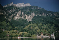 80_Lake-Lucerne-Bauen-on-way-to-Fluelen.jpg